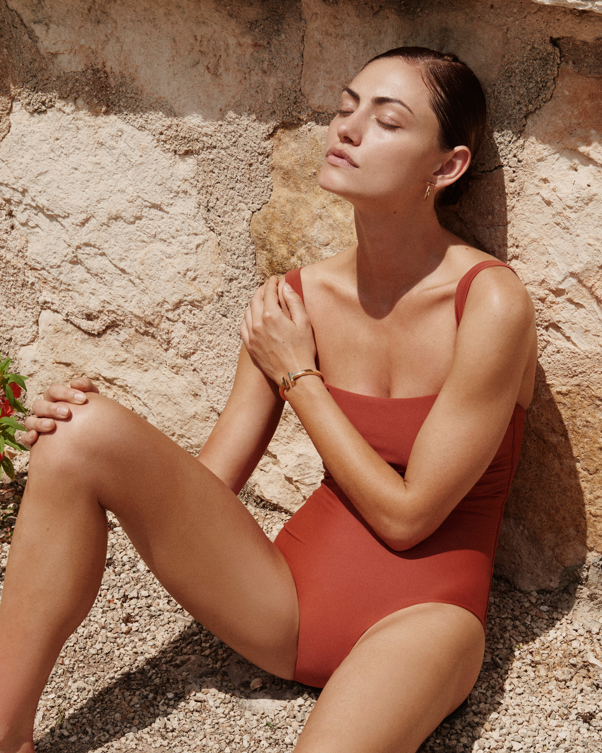 PHOEBE-TONKIN-BY-ALEXANDRA-NATAF-FOR-MATTEAU-SWIM-RESORT-2016-AD-CAMPAIGN-7